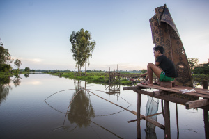 Fishing at a That Luang channel in Vientiane # 1_Phoonsab Thevongsa